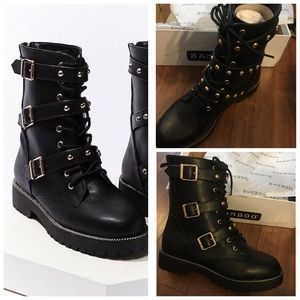 Studded combat ankle boots black fashionable